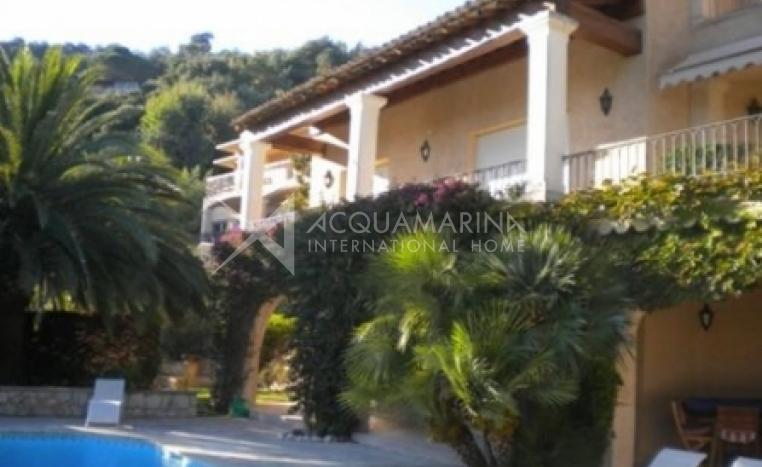 Mandelieu-la-Napoule Villa For Sale<br />1/4