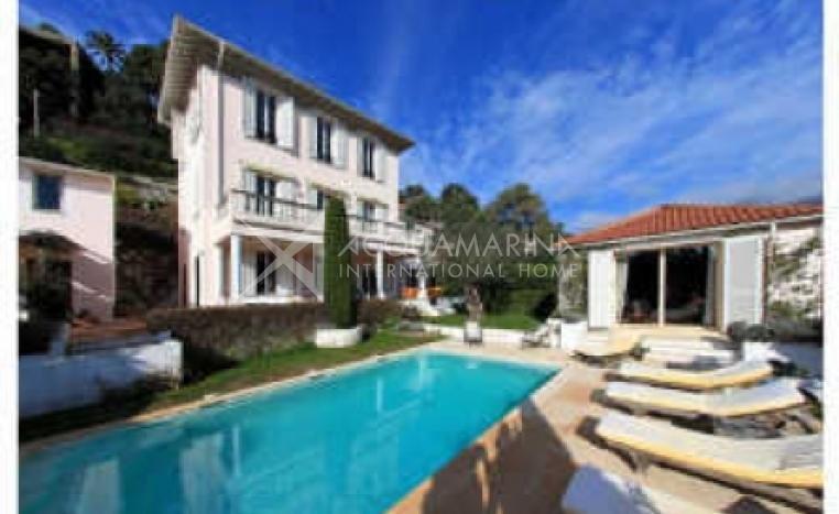 Saint-Jean-Cap-Ferrat Villa For Sale<br />1/6