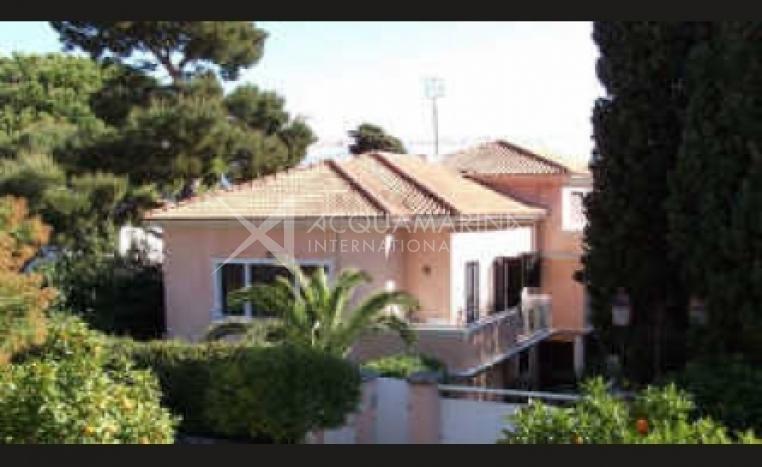 Saint-Jean-Cap-Ferrat Apartment For Sale<br />1/5
