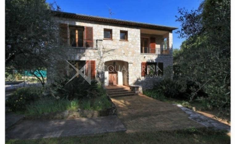 Saint-Jean-Cap-Ferrat Villa For Sale<br />1/4