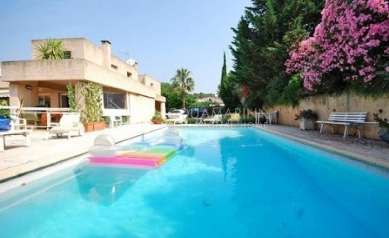 Le Cannet Villa For Sale<br />1/4