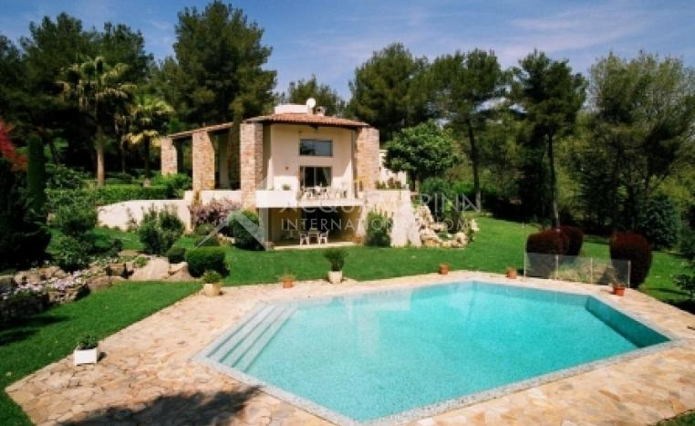 Mougins Villa For Sale<br />1/8
