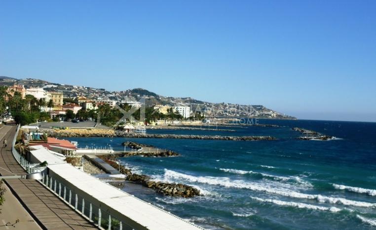 Sanremo Wohnung direkt am Meer zu verkaufen<br />1/6