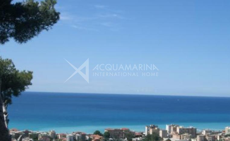 Rent apartment in Villa Bordighera<br />1/2