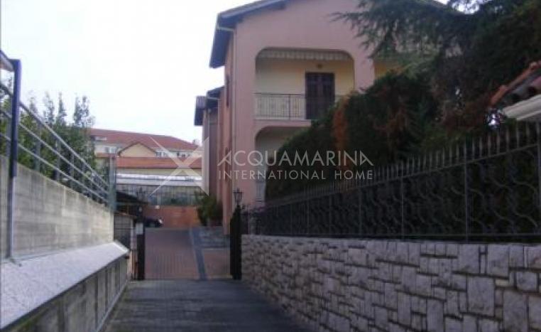 Vallecrosia Apartment 3 rooms for sale<br />1/8