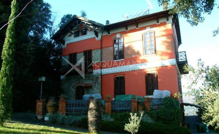 Montecatini Villa In Vendita<br />1/10