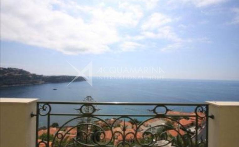 Roquebrune Cap Martin<br />1/4