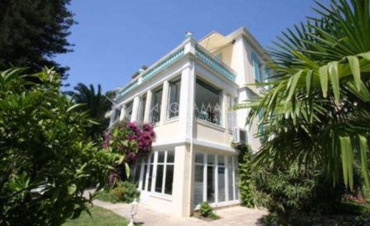 Beaulieu-sur-Mer Villa Belle Époque for sale<br />1/4
