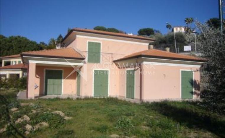 Villa for sale in Bordighera<br />1/3