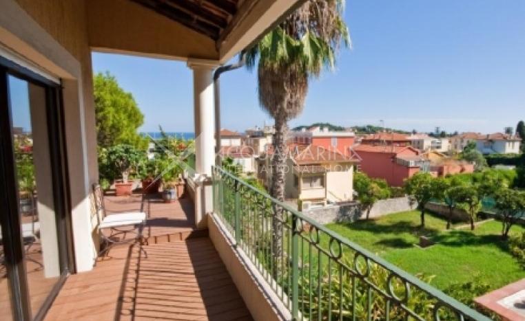 Apartment for sale in Saint-Jean-Cap-Ferrat, apartments in