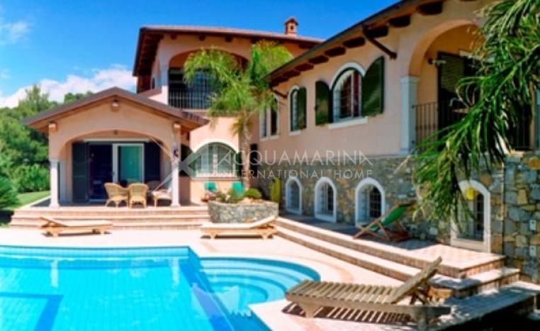 Vendita villa andora villa andora vendita villa in for Ville in vendita di lusso