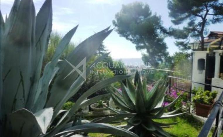 Vallecrosia Apartment Sea view for sale <br />1/6