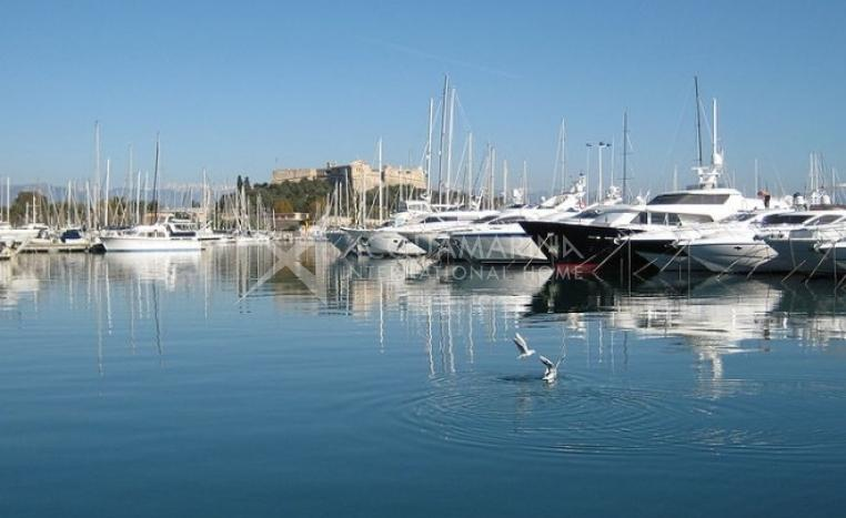 Luxury apartment for sale in Cap d'Antibes<br />1/1