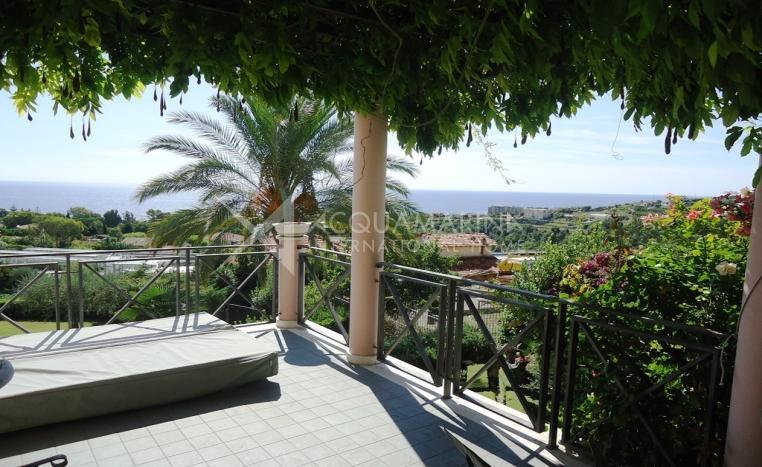 Sanremo zum Verkauf Villa vor kurzem gebaut<br />1/18