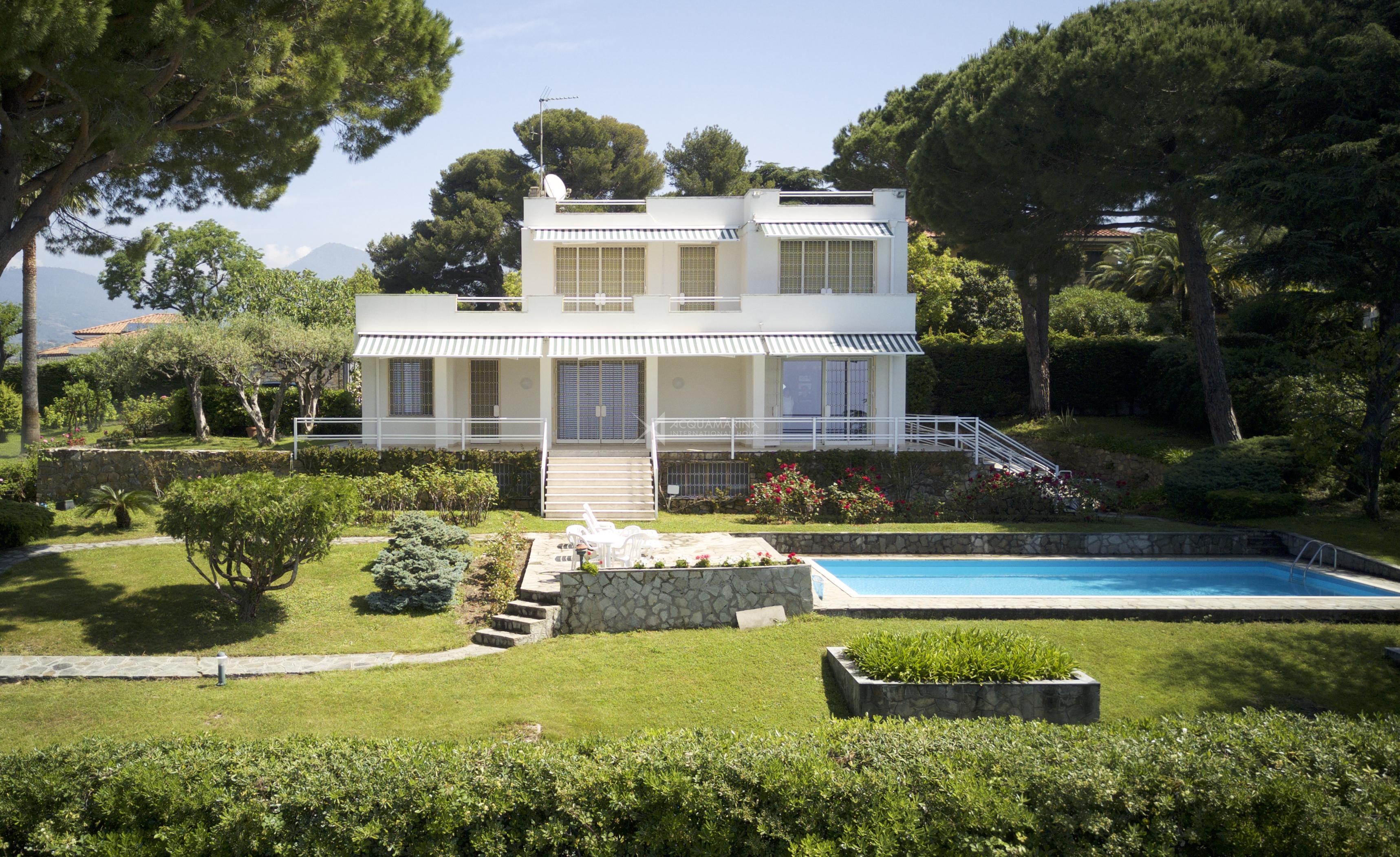 Bordighera Villa Sea View For sale<br />1/18