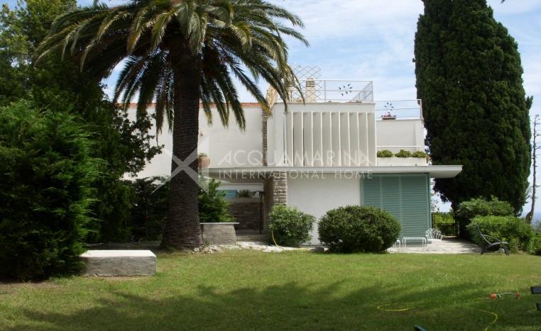 Bordighera Villa In Vendita<br />1/12
