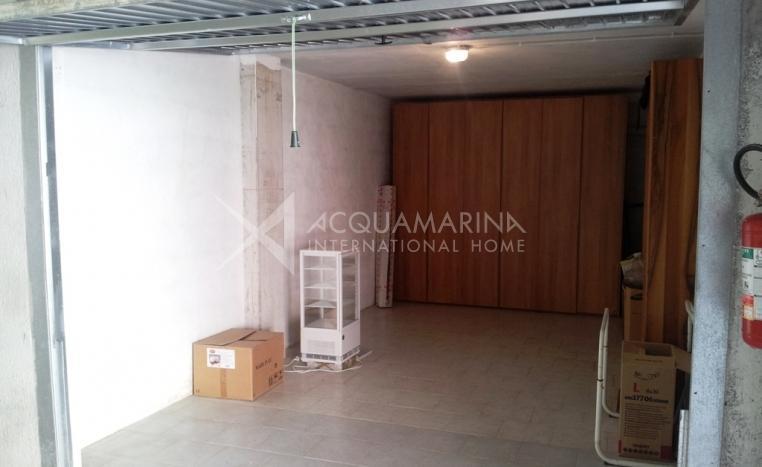 Bordighera appartamento in vendita bordighera villa in for Costo per costruire un appartamento garage per 2 auto
